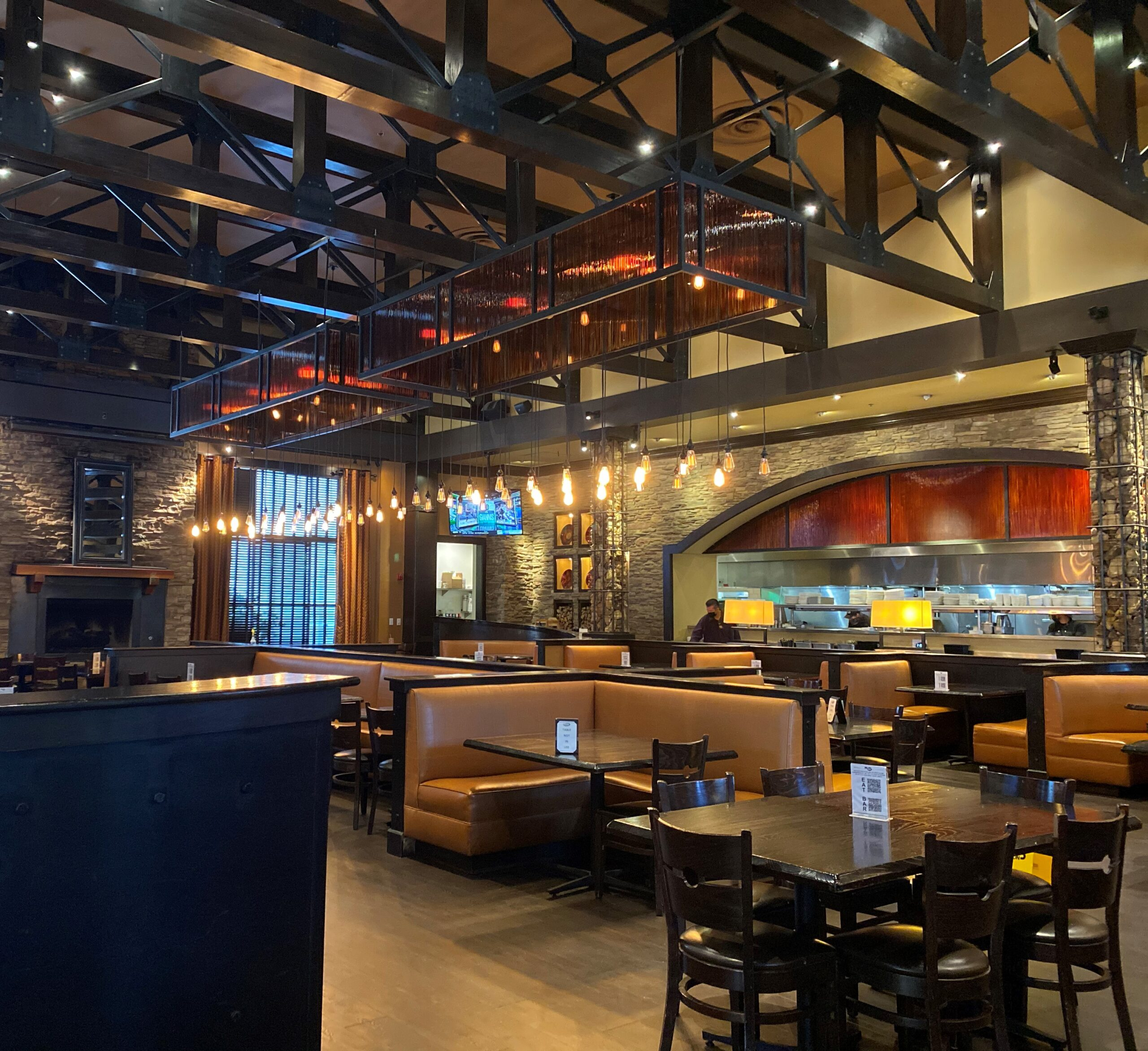 A successful restaurant lighting project